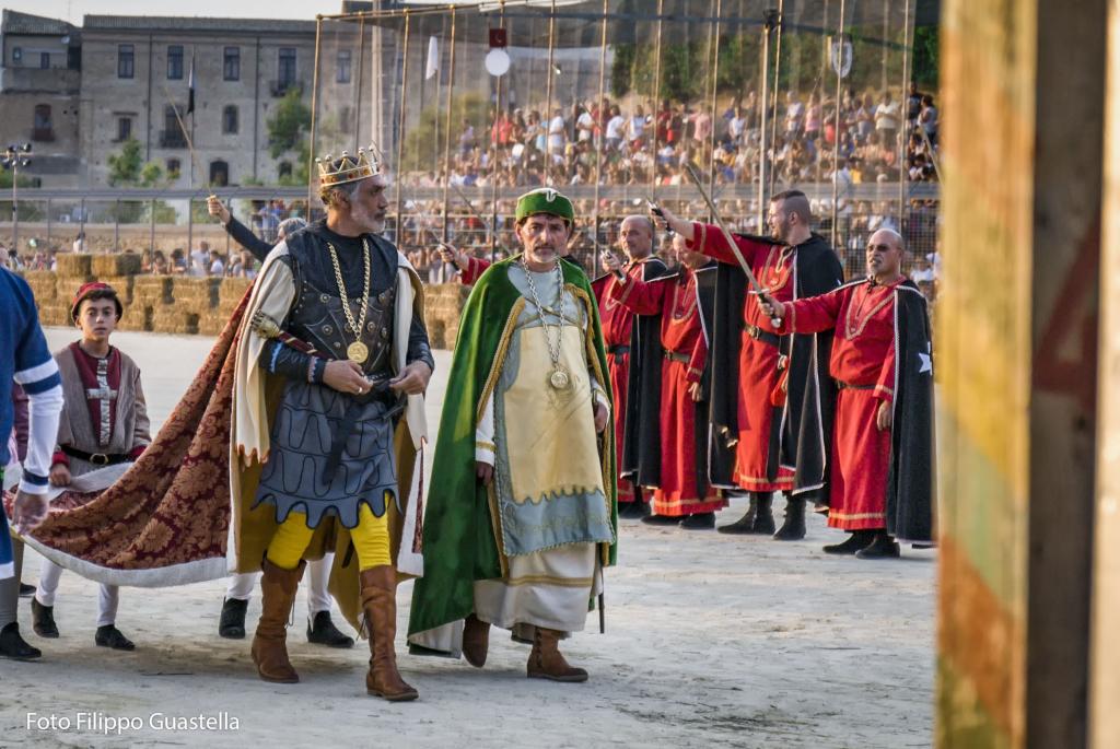 Palio dei Normanni, Conte Ruggero - ph. Filippo Guastella