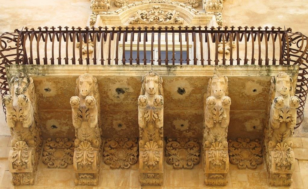 Balcone barocco di Palazzo Nicolaci - Ph I. Mannarano