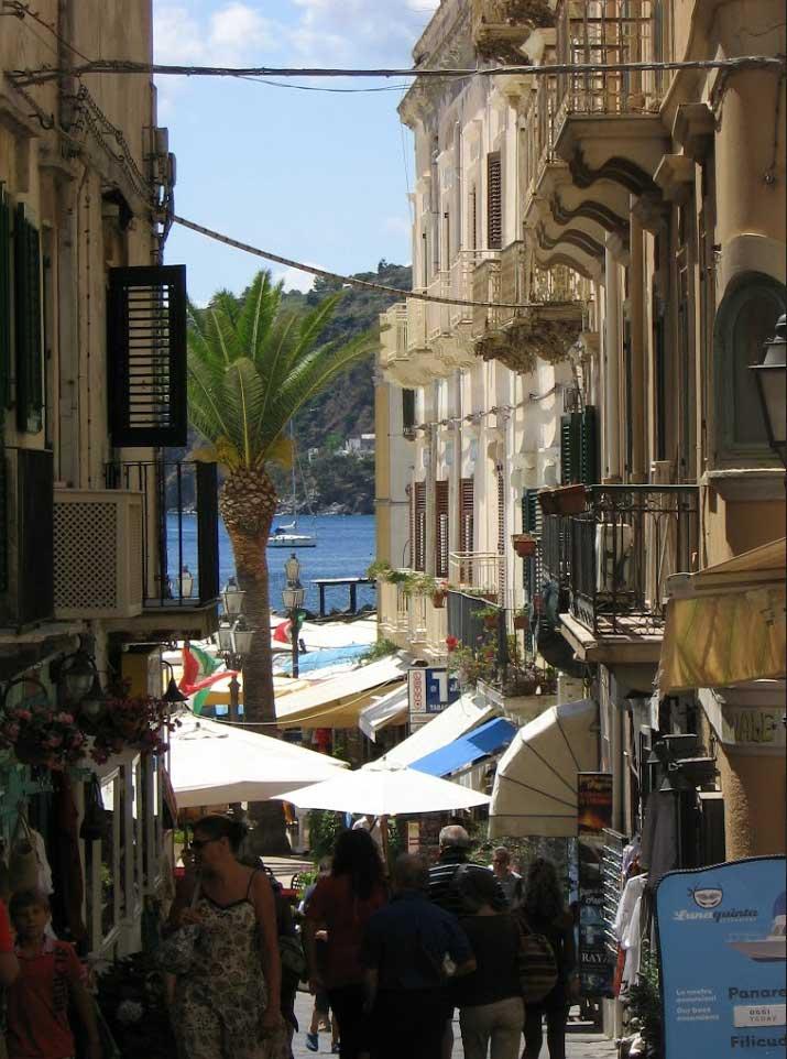Piccole strade di Lipari (Robianni)