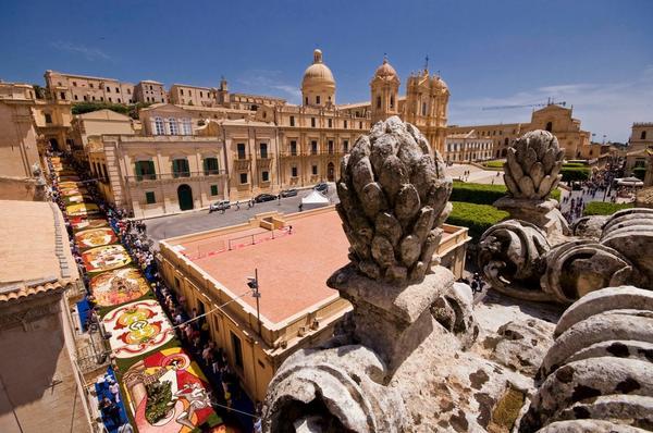 Noto Sicilia infiorata