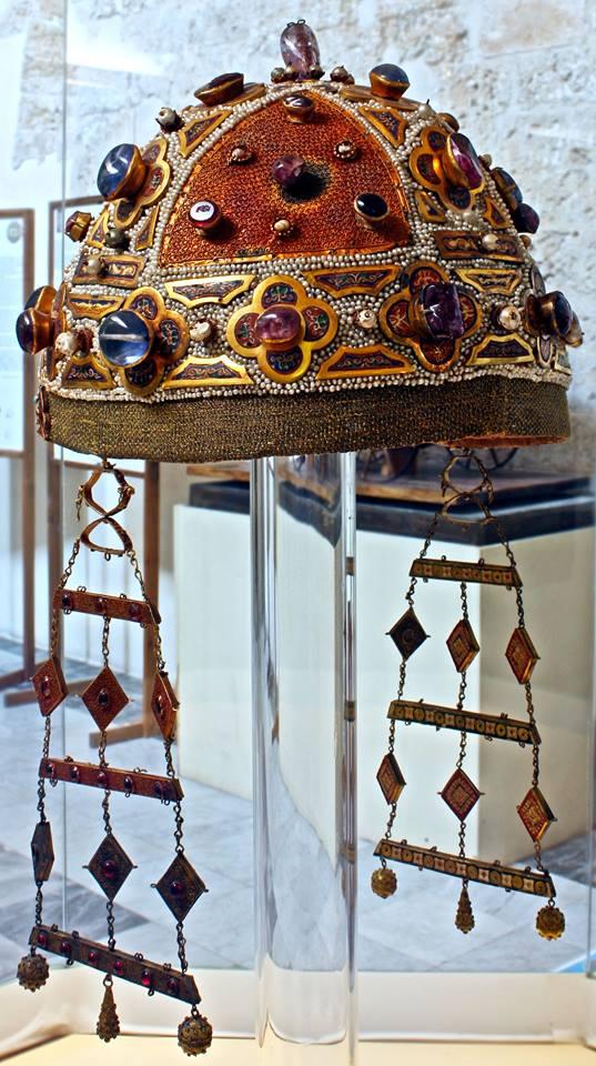 corona di Costanza d'Aragona - ph. Dario Di Vincenzo