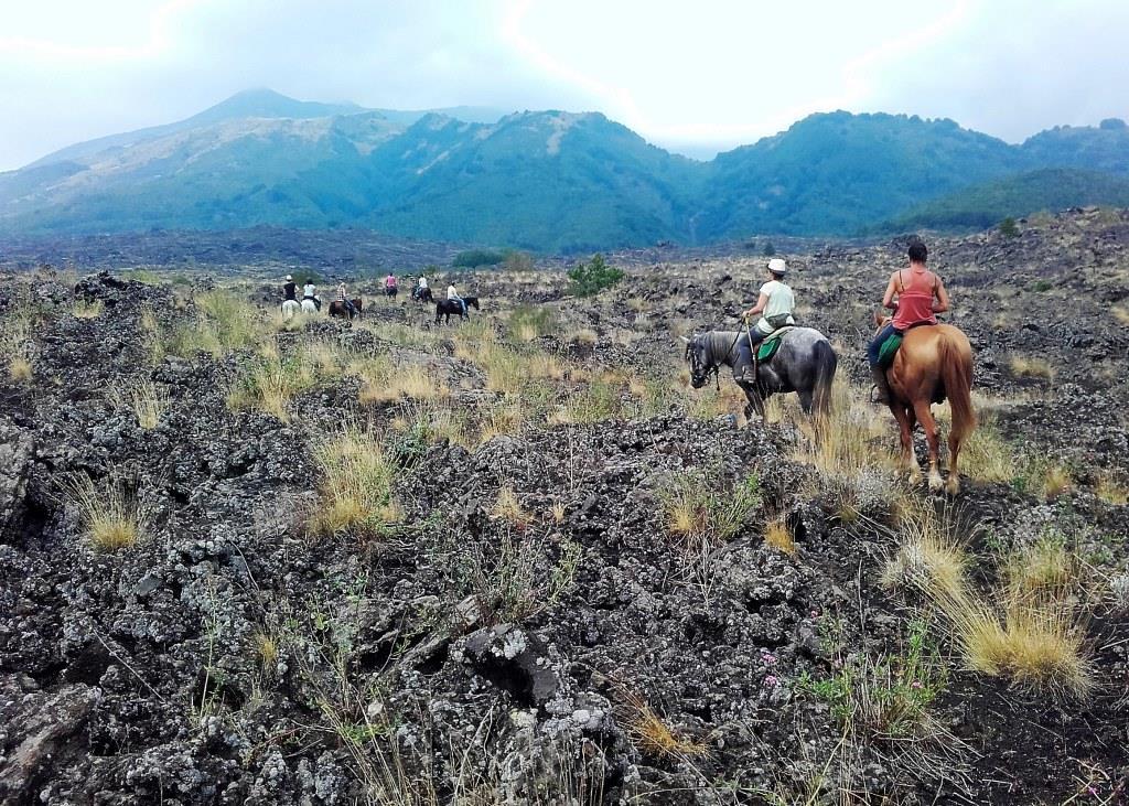 Escursione sull'Etna - Ph. Sicily horse riding
