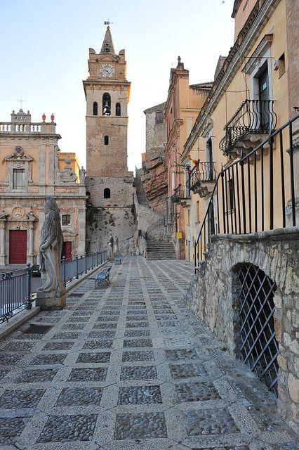 Caccamo ph Jayne Keenan by Pinterest Visit Sicily
