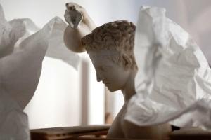 Satiro-versante_-Copia-di-età-romana-in-marmo-delloriginale-bronzeo-di-Prassitele-PART-ld-e1543318274605