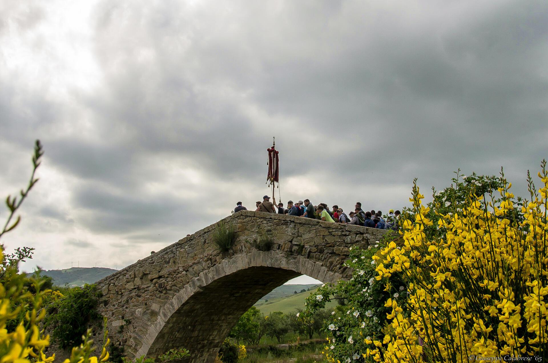 Ponte Failla al passaggio dei ramara - ph. Giuseppe Calabrese