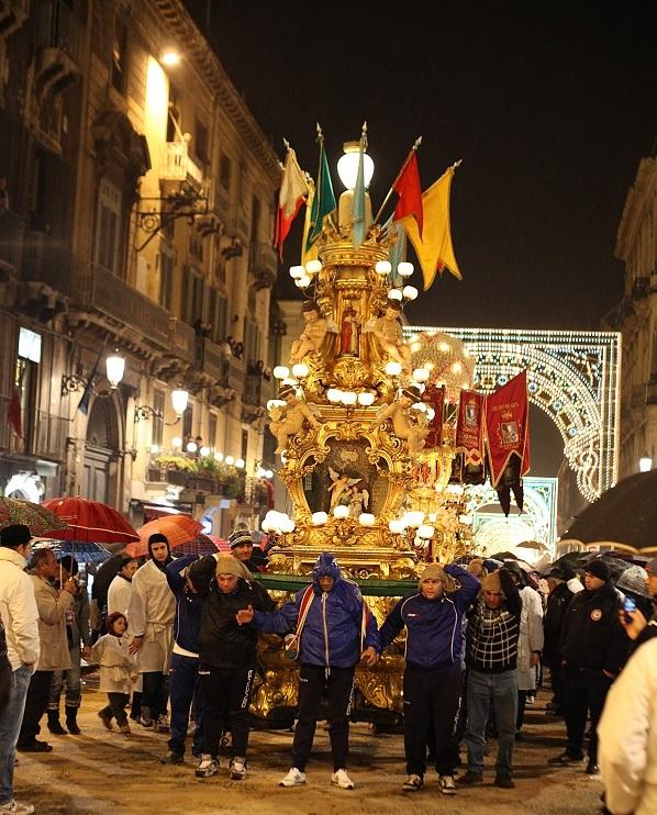 Tipica Candelora per la Festa di Sant'Agata. Ph. Paolo Barone, via Visit Sicily.