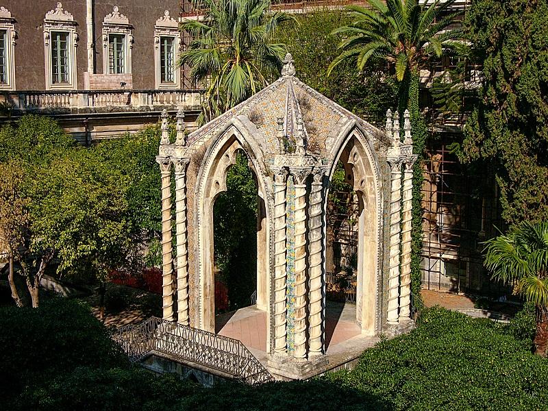 Chiostro di Levante al Monastero dei Benedettini di San Nicolò La Rena a Catania. Ph. Paolo Barone, via Visit Sicily.
