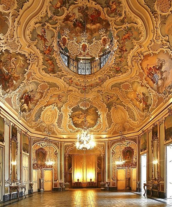 Salone delle Feste a Palazzo Biscari. Ph. Paolo Barone, via Visit Sicily.