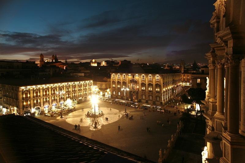 Piazza Duomo a Catania vista dalla terrazza del Museo Diocesano. Ph. Paolo Barone, via Visit Sicily.