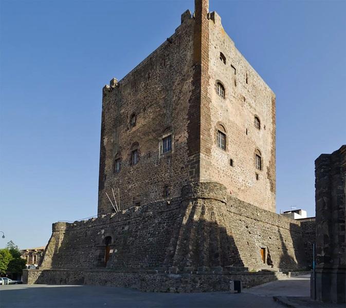 Castello di Adrano. Ph. IZI Travel, via Visit Sicily.
